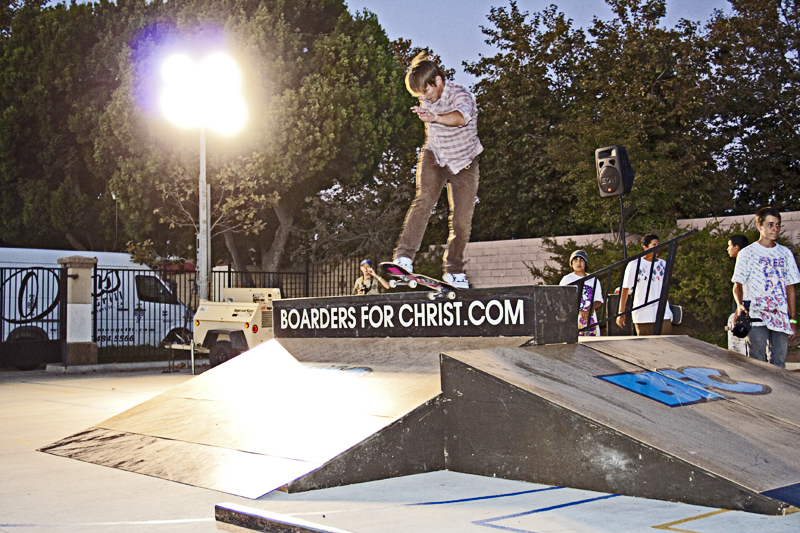 Boarders For Christ demo at Calvary Chapel Camarrilo!